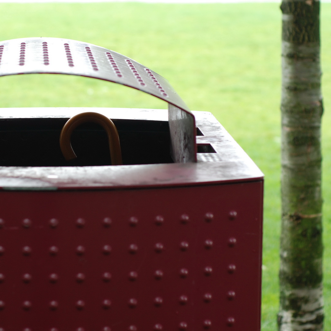 Wooden Brolly handle in dark red Bin.